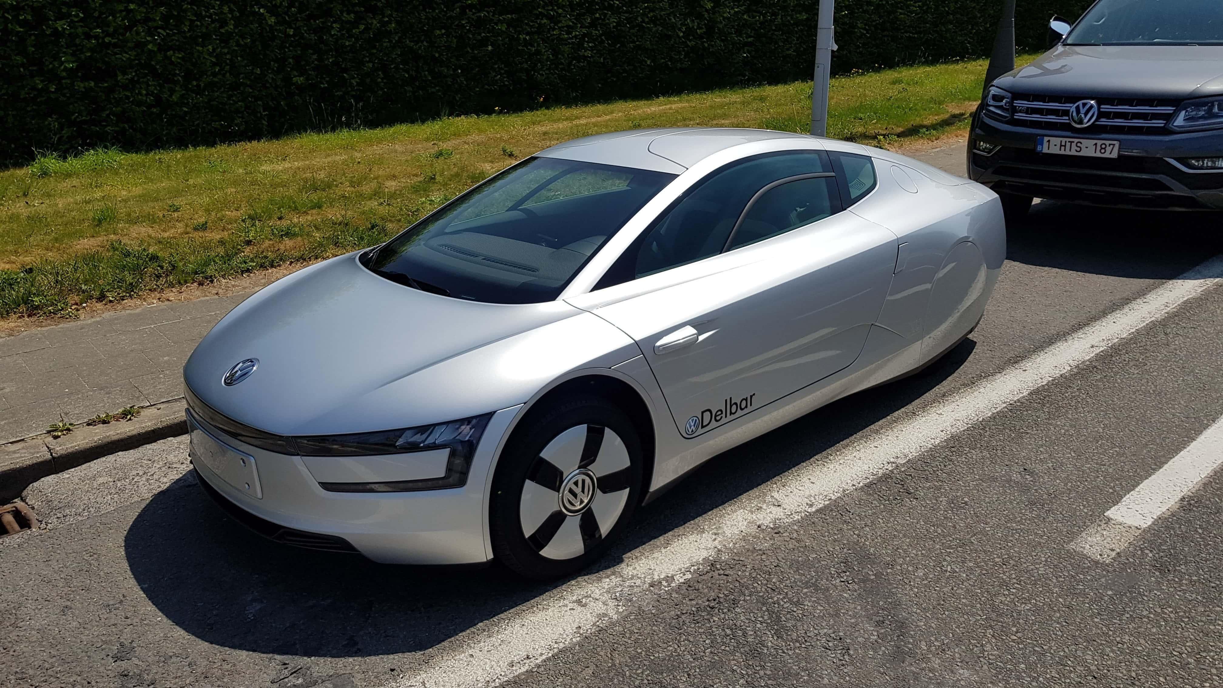 Volkswagen et son vehicule hybride rechargeable xl1