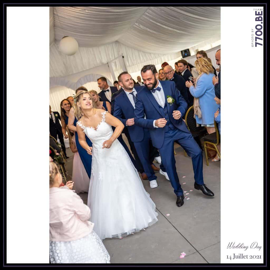 Sortie des mariés en dansant façon flashmob - Cérémonie Laïque avec échange des sables - Quelques photos © faites par le studio 7700BE et votre photographe Fhano lors du mariage de GERALDINE ET SEBASTIEN