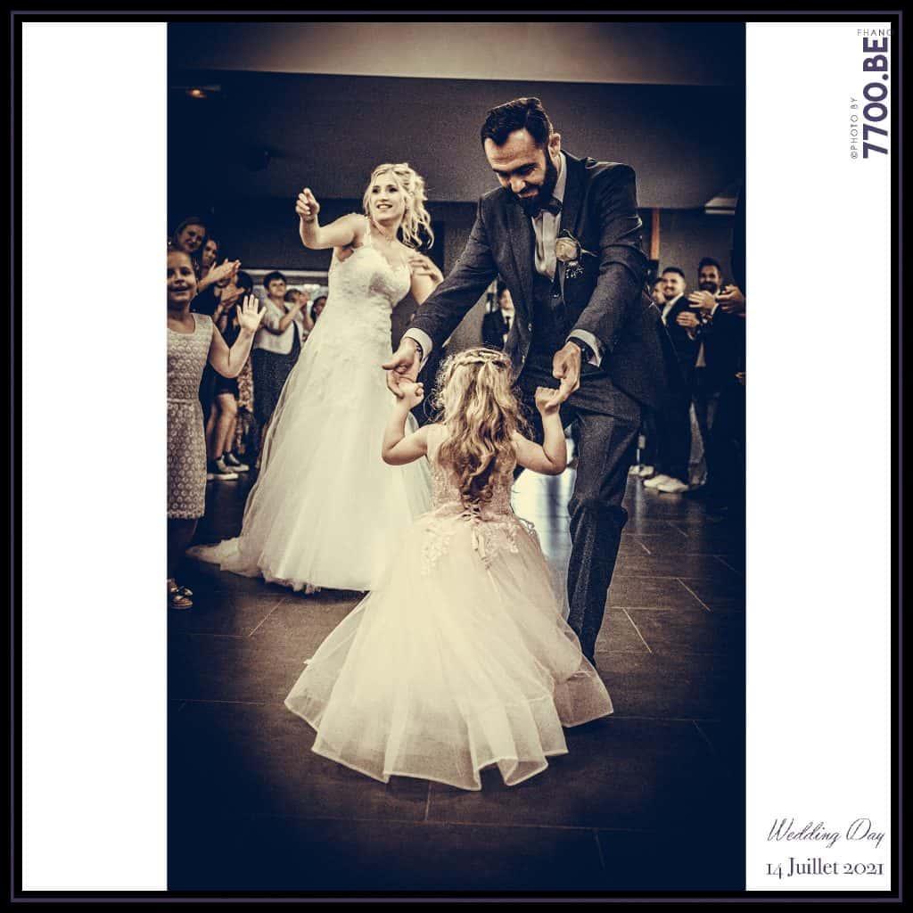 Entrée des mariés lors de la réception au domaine de l'abbaye à Raismes - Quelques photos © faites par le studio 7700BE et votre photographe Fhano lors du mariage de GERALDINE ET SEBASTIEN