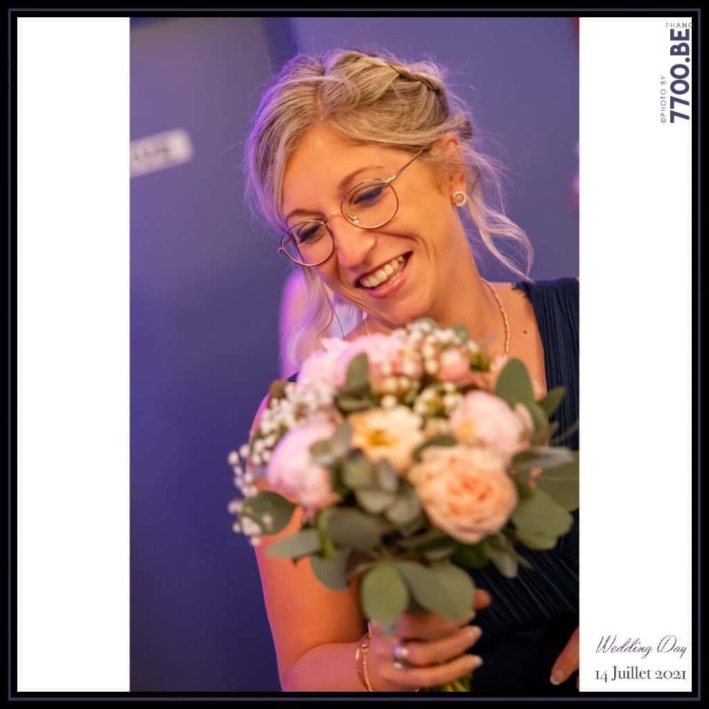 Le jeter du bouquet par la mairée - Quelques photos © faites par le studio 7700BE et votre photographe Fhano lors du mariage de GERALDINE ET SEBASTIEN